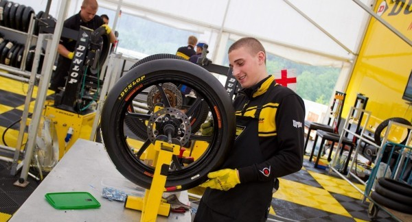Dunlop для класса Moto2
