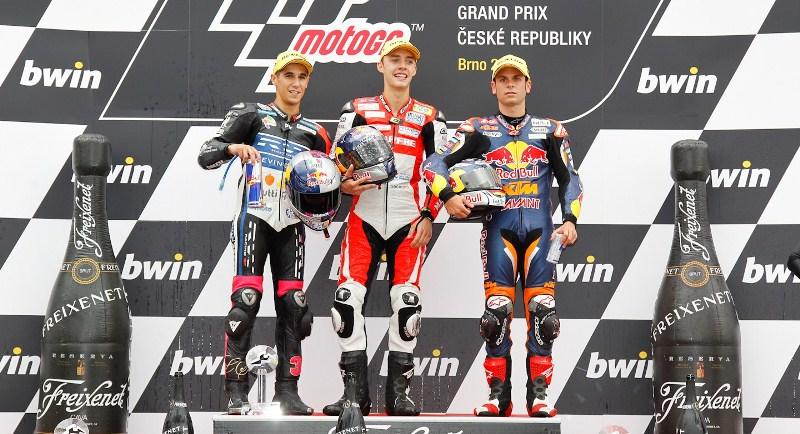 Подиум Moto2 Гран-При Чехии в Брно - Луис Салом, Йонас Фолгер и Сандро Кортезе