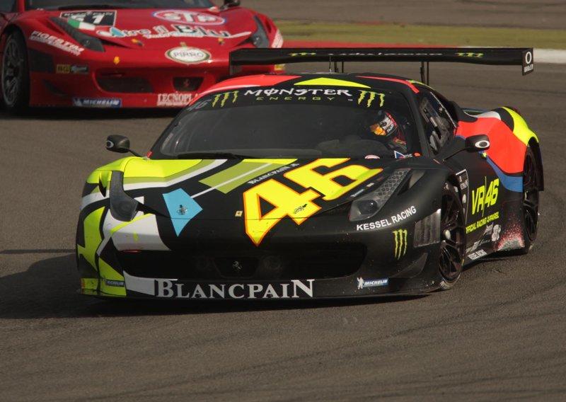 Валентино Росси на этапе автогоночной серии Blancpain Ebdurance Series