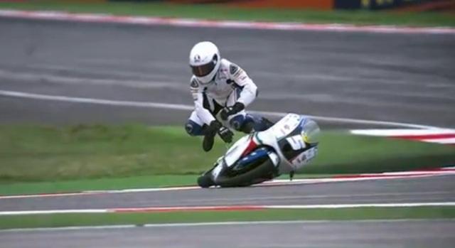 Гонщик команды Italia FMI Moto3 Романо Фенати
