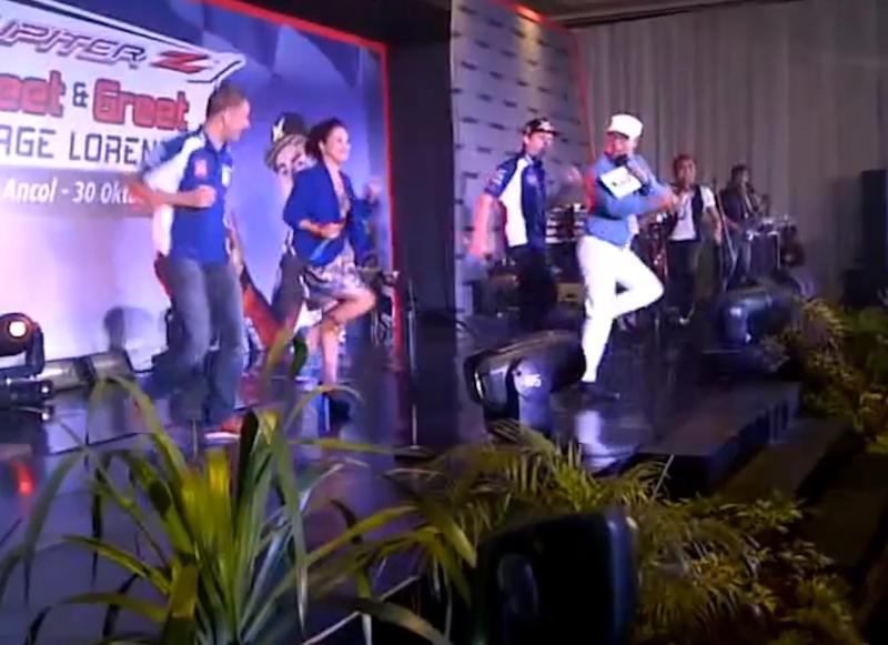 Хорхе Лоренцо танцует в стиле Gangnam