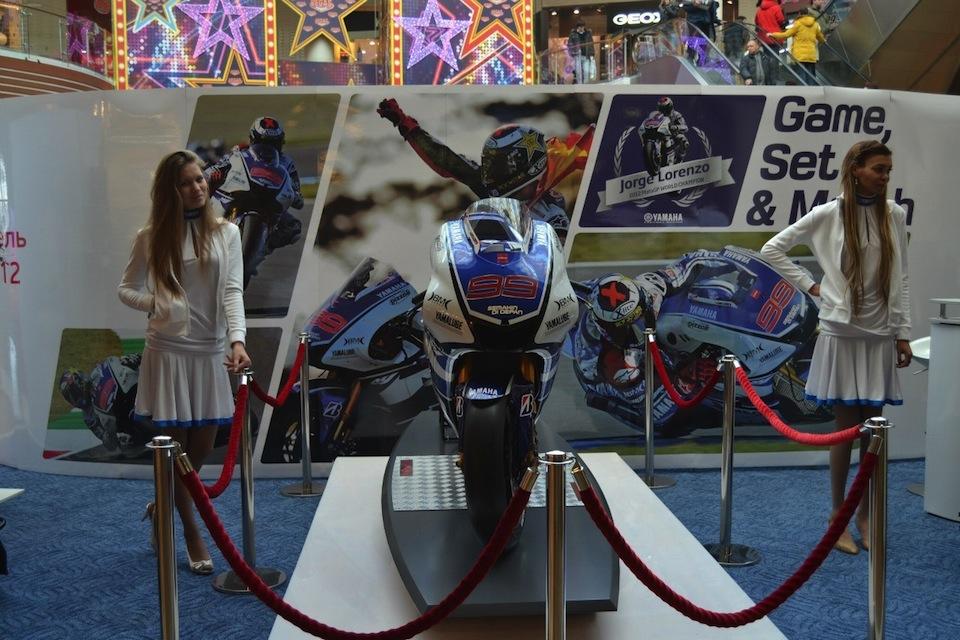 Мотоцикл Хорхе Лоренцо Yamaha YZR-M1