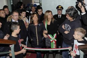 Il taglio del nastro con Paolo e Rossella Simoncelli