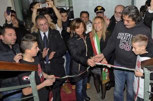 Il taglio del nastro con Rossella e Paolo Simoncelli