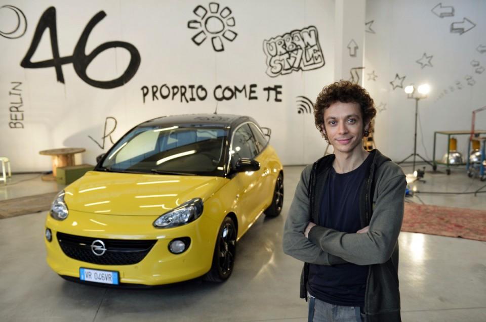 Валентино Росси стал представителем Opel Adam