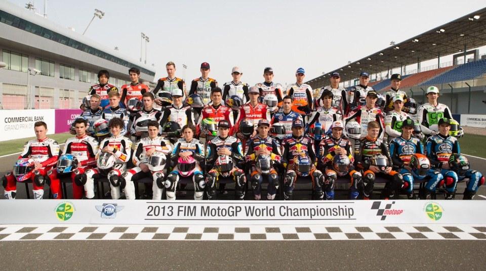 Групповое фото гонщиков Moto3 2013