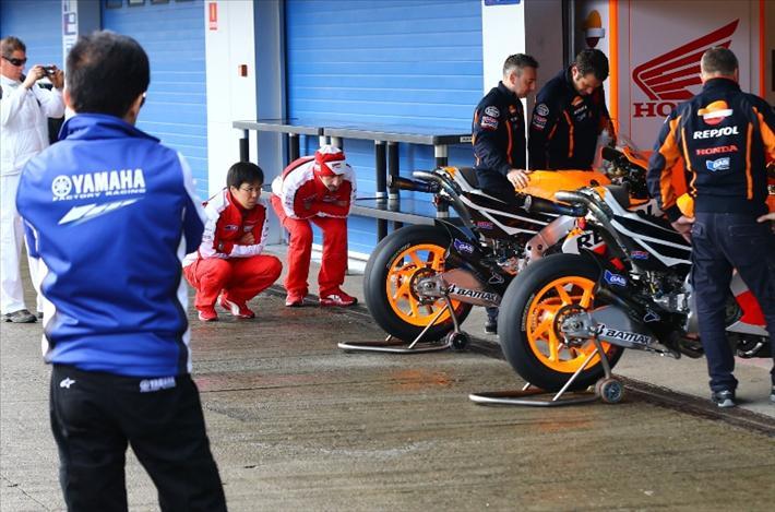 Yamaha и Ducati подглядывают за Honda RC213V