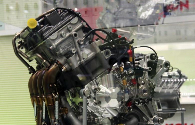 двигатель YZR-M1