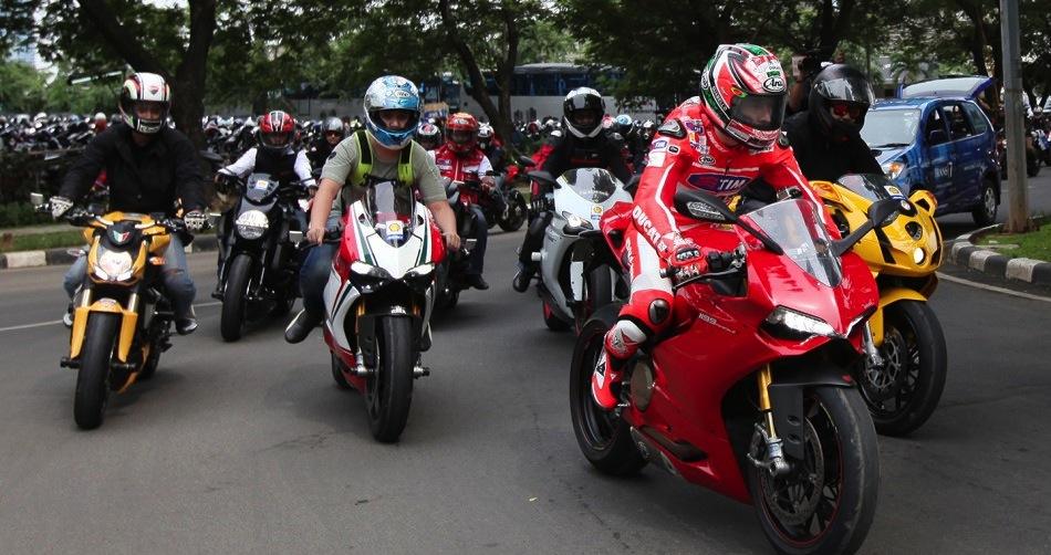 Ники Хэйден принял участие в акции в Джакарте