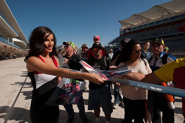 Девушки паддока Гран-При в Остине