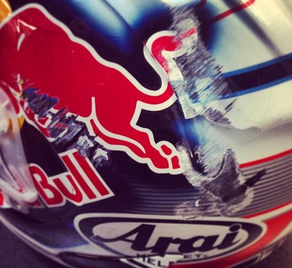 Шлем Дани Педросы после падения Гран-При Германии 2013