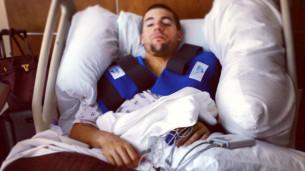 Бэн Спис: Операция сразу на двух плечах