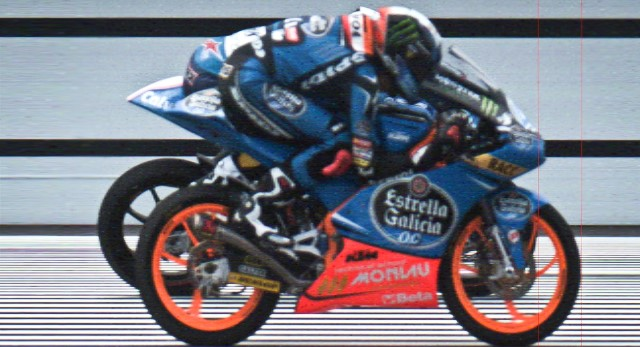 Фотофиниш Moto3: Маверик Виньялес и Алекс Ринс