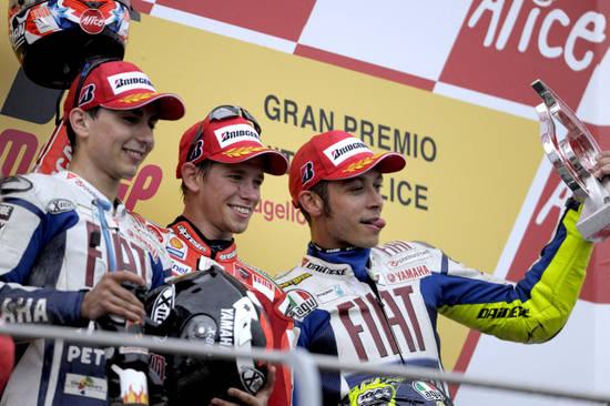 Итальянский подиум. Эра противостояния «Росси против Ducati» окончена. Новый тренд – «Стоунер против Yamaha»