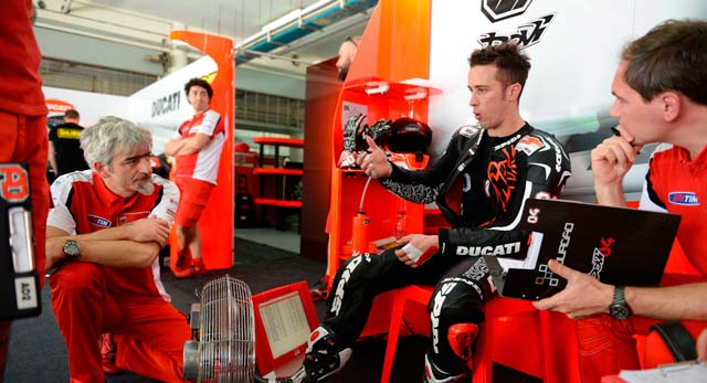 Андреа Довициозо, пилот Ducati Team