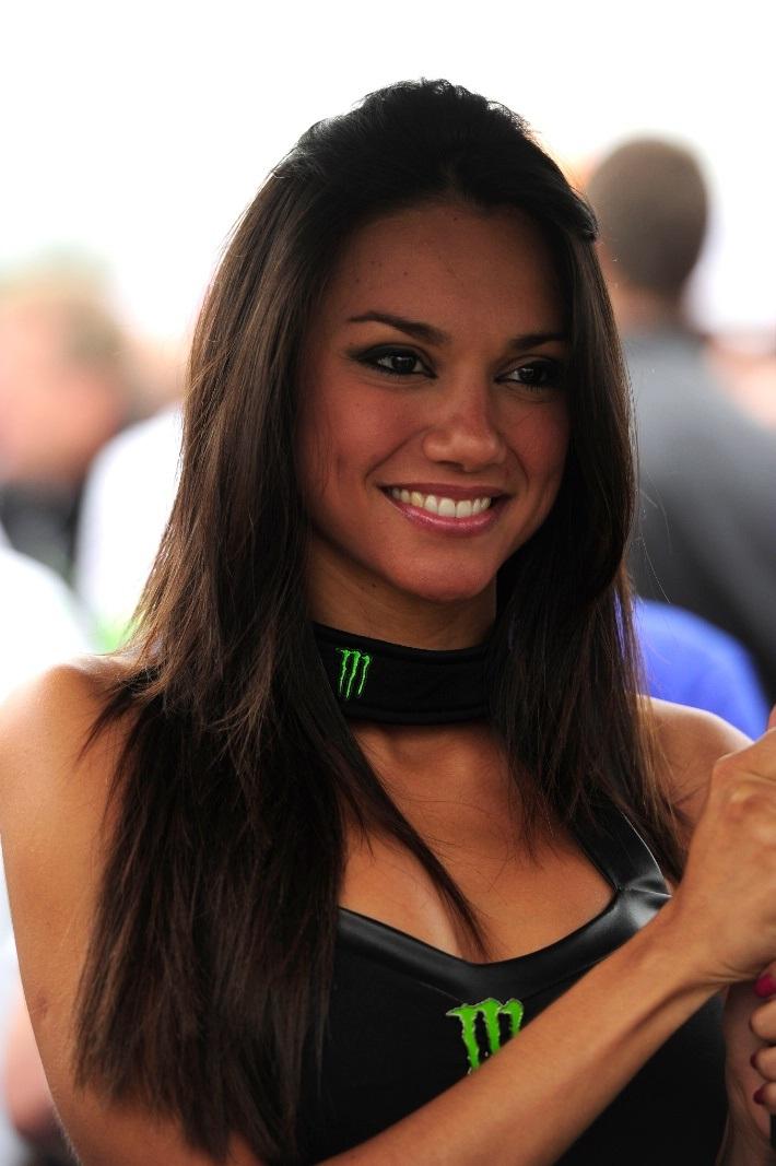 Cамая красивая девушка паддока MotoGP 2013