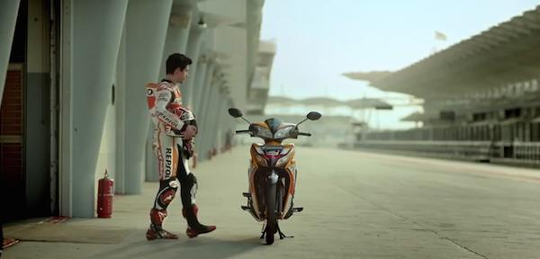 Марк Маркес в рекламе нового мотоцикла Honda Blade 125 FI