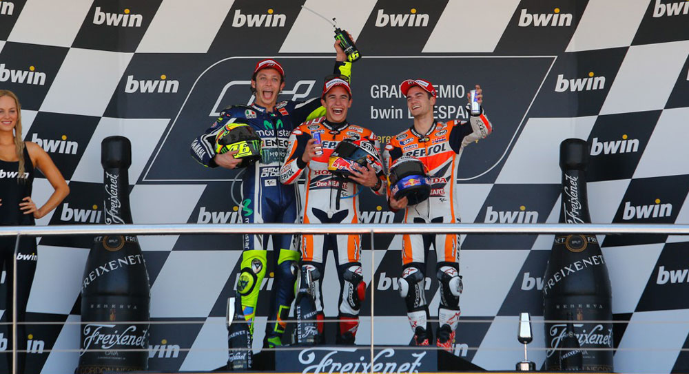 Подиум MotoGP Гран-При Испании 2014 (Росси, Маркес, Педроса)