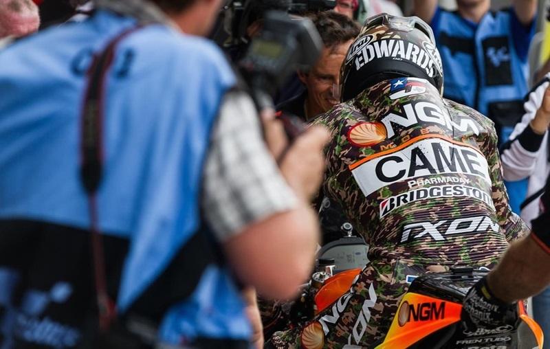 Гран-При Индианаполиса 2014 - камуфляжная экипировка Колина Эдвардса