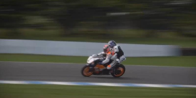 Мик Дуэн прокатил посла MotoGP на прототипе Honda