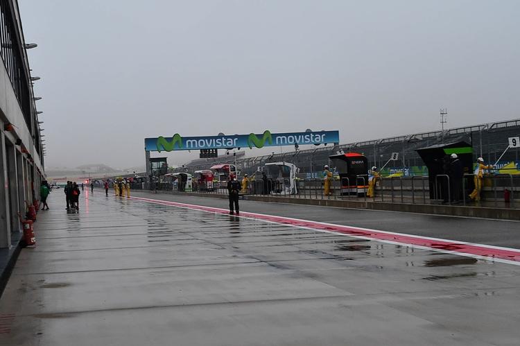 Метеорологи предвещают дождевые гонки во всех классах
