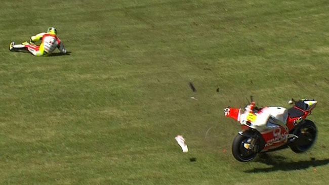 Андреа Ианноне, падение, MotoGP 2014