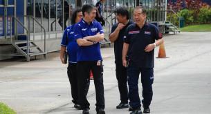 Руководство Honda угарает с руководством Yamaha