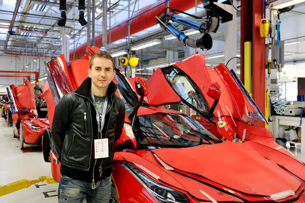 Хорхе Лоренсо посетил Ferrari в Маранелло