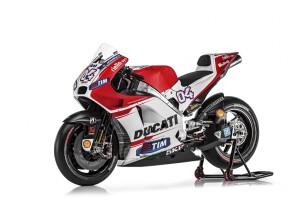 Фотосессия нового мотоцикла и заводских пилотов Ducati 2015