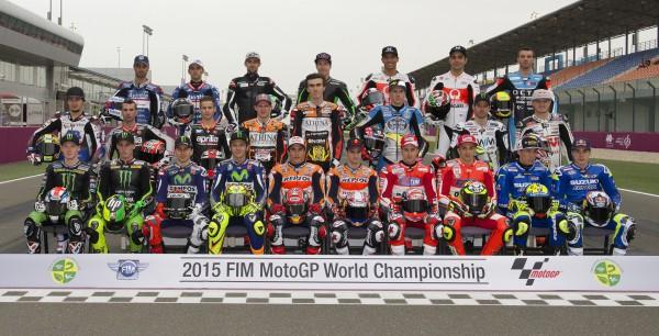 Групповое фото гонщиков MotoGP 2015