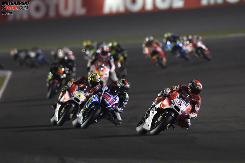 Старт MotoGP Гран-При Катара 2015