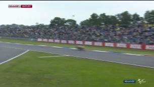 Видео: Столкновение Альвары Баутисты с зайцем во время утренней разминки MotoGP