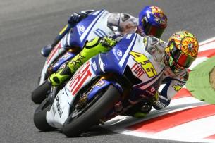 Невероятная битва между Росси и Лоренцо в гонке MotoGP Гран-При Каталонии 2009