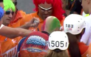 Эния Бастианини покрасил волосы прямо на треке в честь победы (видео)