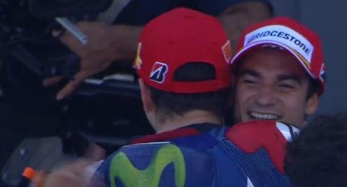 Фото дня: Так искренно Лоренсо еще никогда не радовался подиуму Педросы!