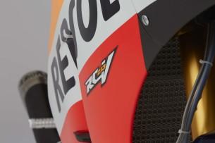 2016-Honda-RC213V-Marc-Marquez-11