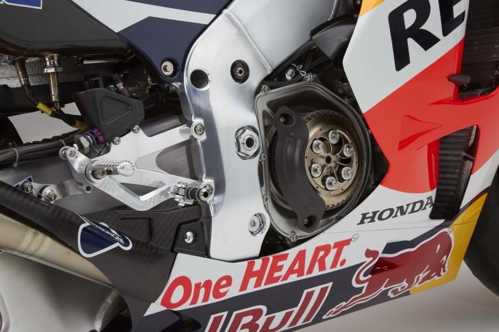2016-Honda-RC213V-Marc-Marquez-14