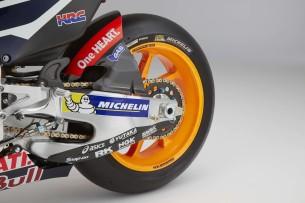 2016-Honda-RC213V-Marc-Marquez-21