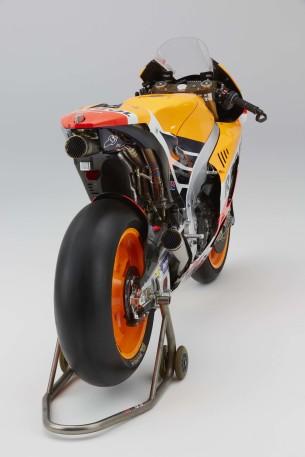 2016-Honda-RC213V-Marc-Marquez-23