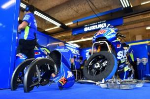 Боксы Suzuki Ecstar MotoGP