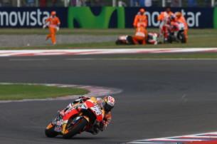 Дани Педроса и разбившиеся Ducati на заднем фоне, Repsol Honda MotoGP, Гран-При Аргентины 2016