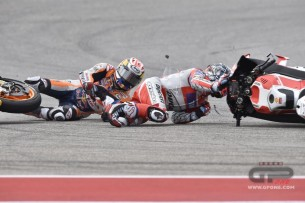 Авария Дани Педросы и Андреа Довициозо в гонке MotoGP Гран-При Америк 2016