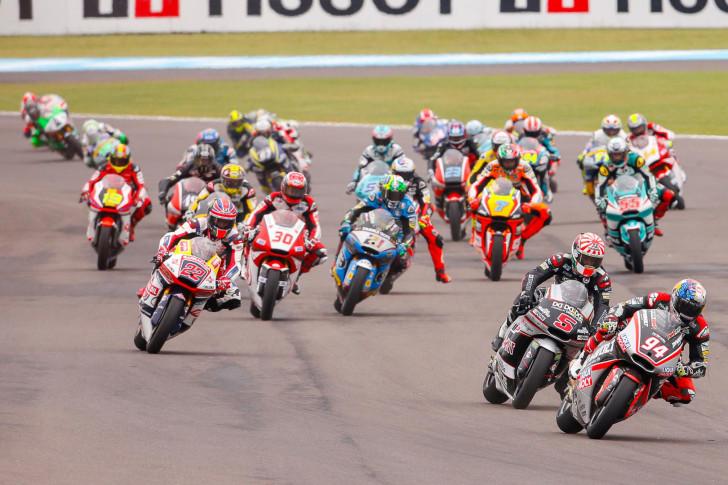 Moto2: Зарко снова празднует победу в Аргентине. Лоус и Фолгер на подиуме.