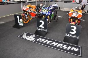 Мотоциклы Маркеса, Росси и Педросы после финиша (Аргентина, 2016)