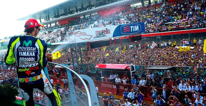 Валентино Росси на подиуме Гран-При Италии 2014