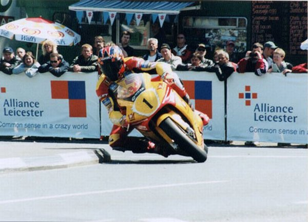 Дэвид Джефферсон на Isle of Man TT 2000