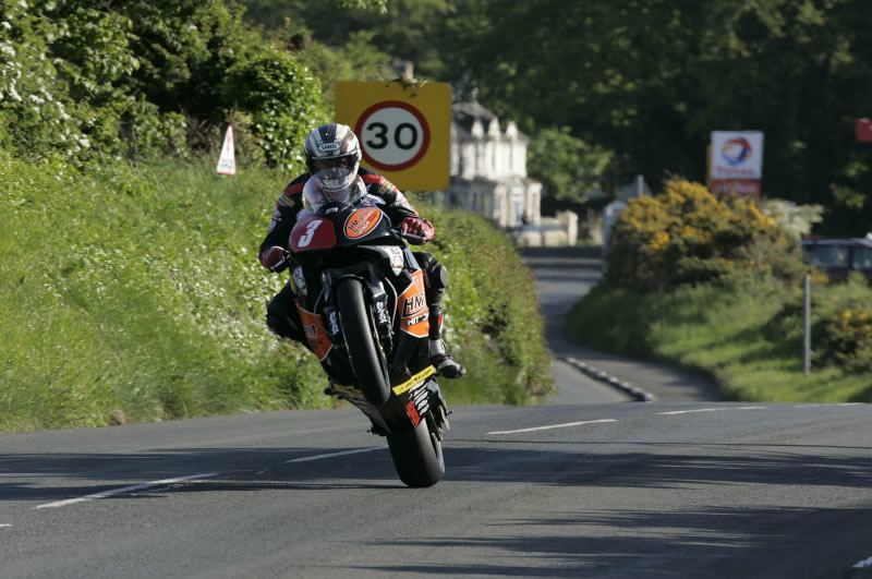 Джон МакГиннес на Isle of Man TT 2006