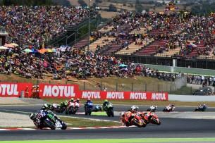 Старт гонки MotoGP Гран-При Каталонии 2016