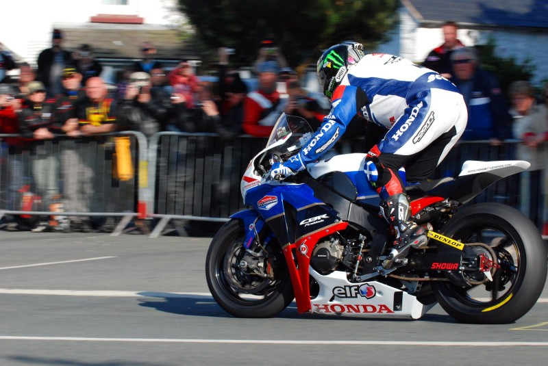 Джон МакГиннес на Isle of Man TT 2012