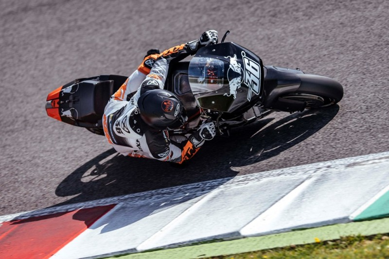 Мика Каллио на тестах KTM RC16